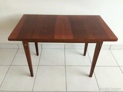 Retro kicsi asztal