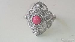 Ezüst filigrán gyűrű valódi vörös nemes korallal.