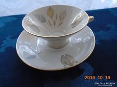 Számozott-arany stilizált virág mintás teás csésze aljával