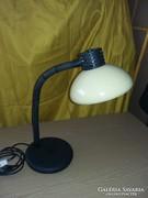 Eladó gégecsöves asztali lámpa.
