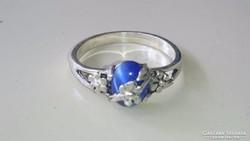 Ezüst gyűrű kék macskaszemmel és virágokkal 925