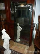 Gyönyörű, csiszolt antik fali álló tükör eladó 116*46 cm