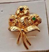 Gyönyörű antik aranyozott smaragd,rubin,zafír köves bross
