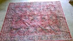 Antik szőnyeg  (150cm.x190cm.)