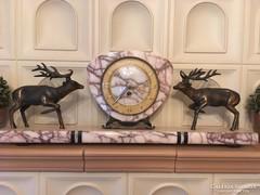 Kandalló óra szarvasokkal díszítve