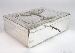 0G204 Ezüstözött sárgaréz kalapált kártyadoboz