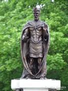 Szent István király és családja bronz szobor kompozíció