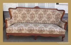 Faragással díszített, nagy méretű kanapé,szófa