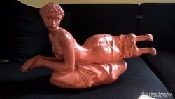 Tóth Vali szobor