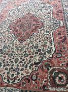Hibátlan perzsa mintás szőnyeg