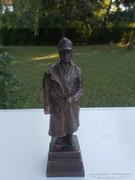 Monarchiás bronz szobor sebsült katona honvéd  Uitz 1917
