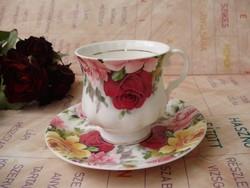 Antik angol Rose Garden teáscsésze aljal