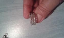 Köves gyönyörű ezüst gyűrű