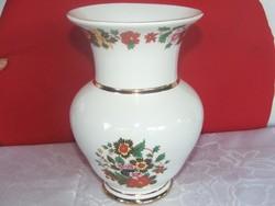 Sokvirág díszitéses aquncumi váza