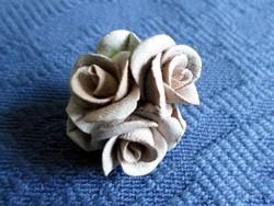 Régi szép kerámia rózsa bross