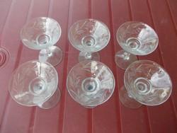 Üveg pohárkák