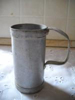 Antik alumínium tejmérő eladó!