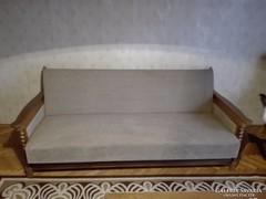 Kanapé, két fotel, dohányzó asztal üveglappal