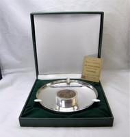 Egyedi ezüstözött tál BRUNO CASSINARI bronz domborműves plaketjával dobozában.