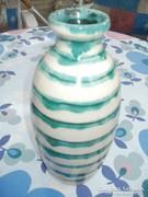 Kerámia csíkos váza 30 cm magas.