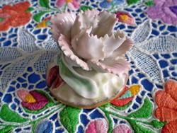 Gyönyörű jelzett porcelán virág bimbóval 2.