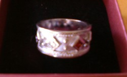 Különleges ezüst gyűrű szines drága kövekkel