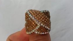 Szép bizsu gyűrű
