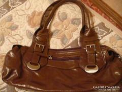 Barna női táska