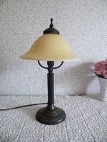 Üveg burás lámpa